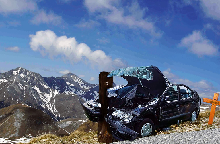 Car-Crashed-into-Pole-in-Mountains