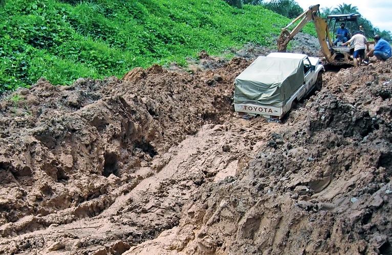bad-road-and-car