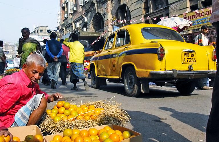 avtomobili-na-bazare