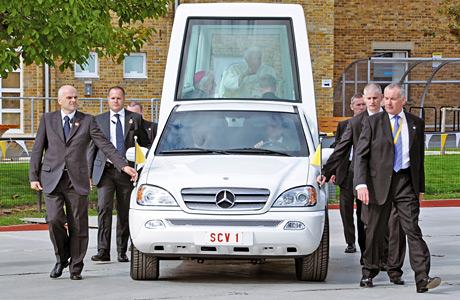 Popemobile_Mercedes_Benz_ML_430
