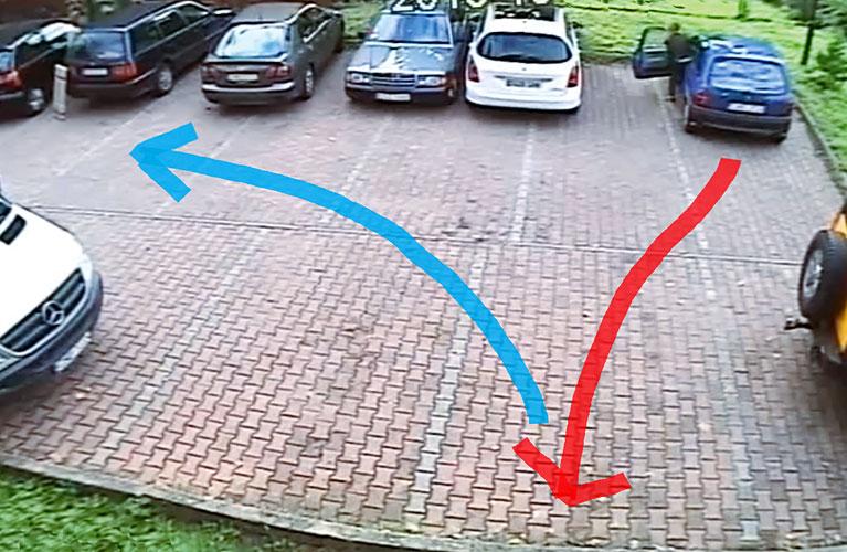 vyezd-s-parkovki-zadnim-hodom