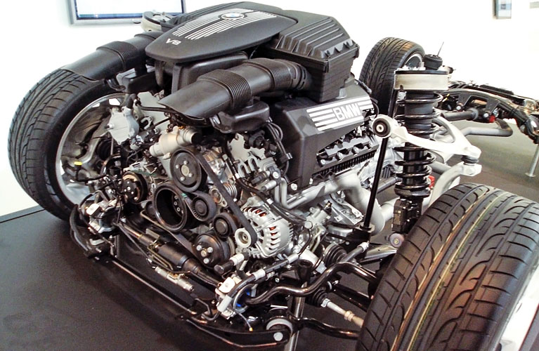 vidy-dvigateley-BMW_V8