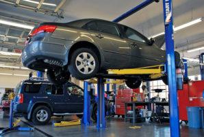 Технический осмотр автомобиля: СТО или гаражный мастер?